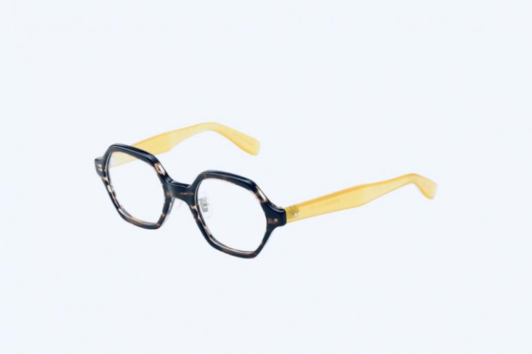 多角形型のメガネ
