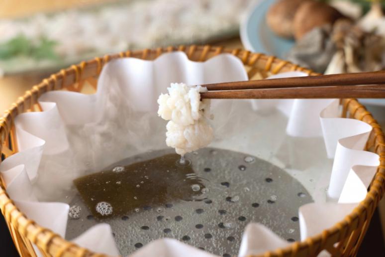 京都の夏の風物詩「鱧 はも」のしゃぶしゃぶ