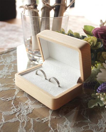 【ウェディング】二人の指輪を引き立てる格調高いペアリングケース「Pair Ring Case」