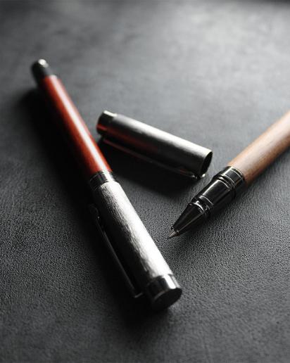 【pick up!】丸型木製ボールペン「ROUND BODY BALLPOINT PEN」