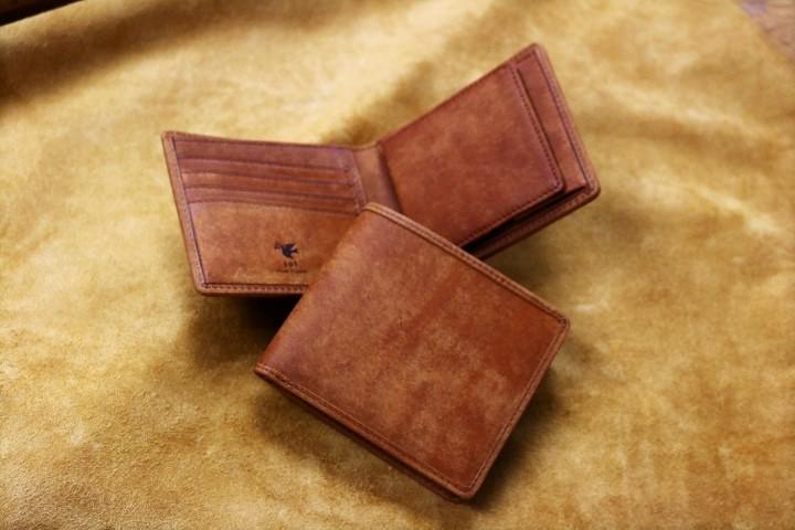 【財布部門人気No.1】 二つ折り財布をご紹介。
